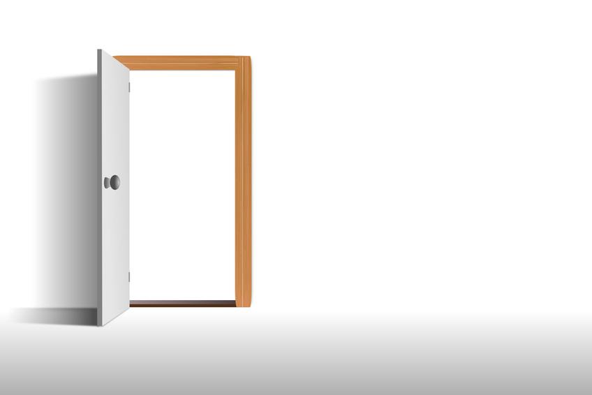 Offene tür  Offene Tür | Kurznotiz | K U N S T P A A R